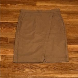 Banana Republic Tan Pencil Skirt w/ Pleat